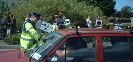 Cops stops cars at Shannon airport anti war protest