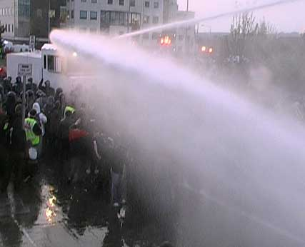 Water cannon in Dublin for Mayday